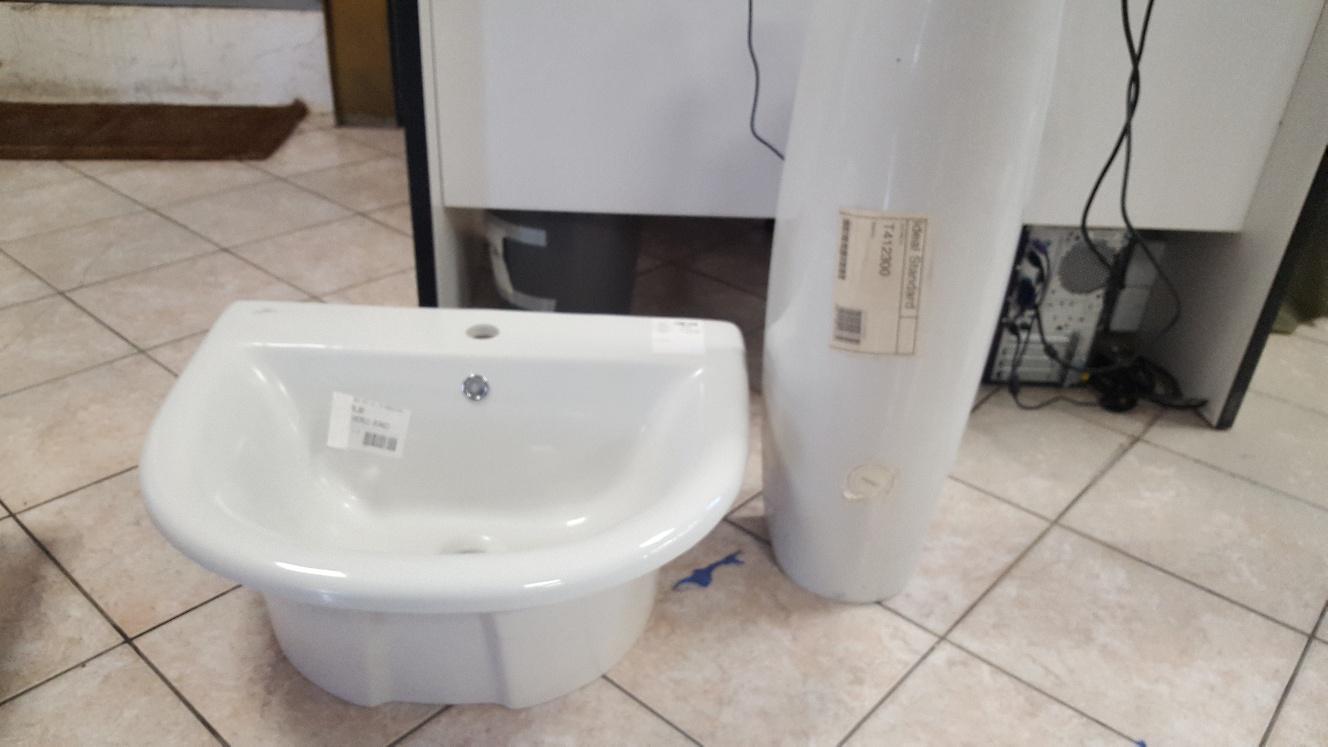 Catanzaro lavabo bagno fiorile incasso bianco piede ideal
