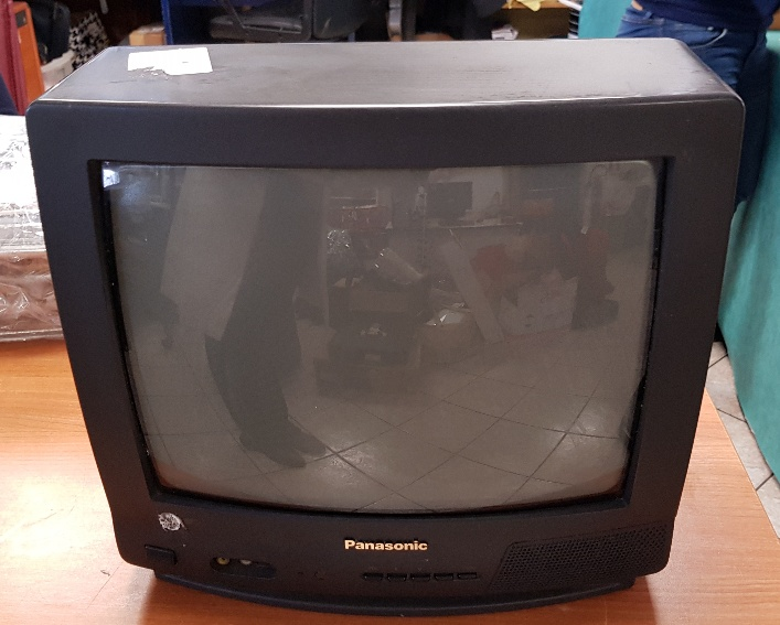 TV COLOR  PANASONIC  '15 (SENZA TELECOMANDO)