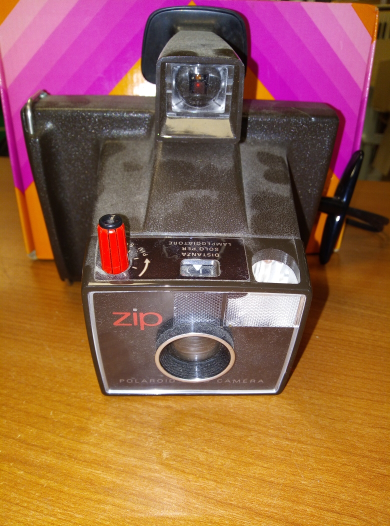 POLAROID LAND CAMERA ZIP VINTAGE