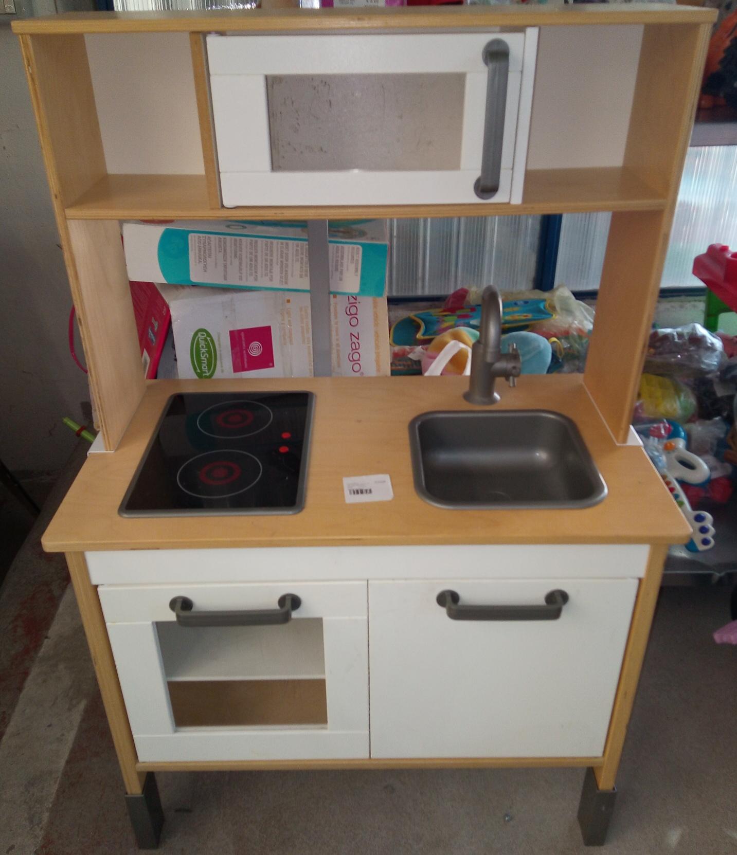 Catanzaro CUCINA GIOCATTOLO IKEA 72X40X109 CM mercatino dell\'usato ...