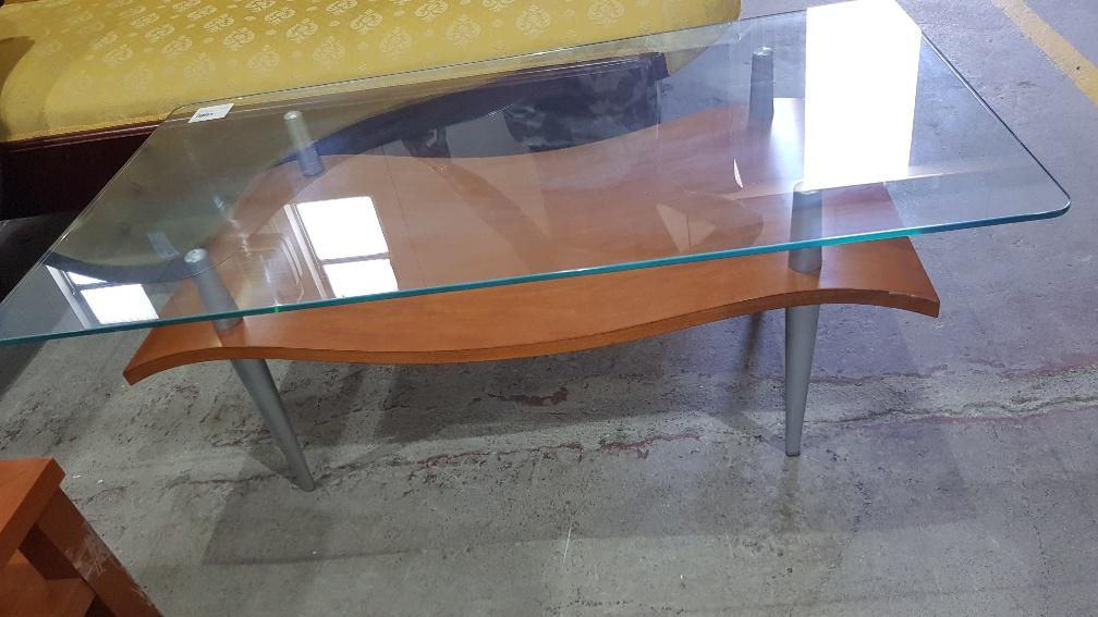 Tavolino Soggiorno Ciliegio.Catanzaro Tavolino Salotto Con Ripiano Centrale Ciliegio 1