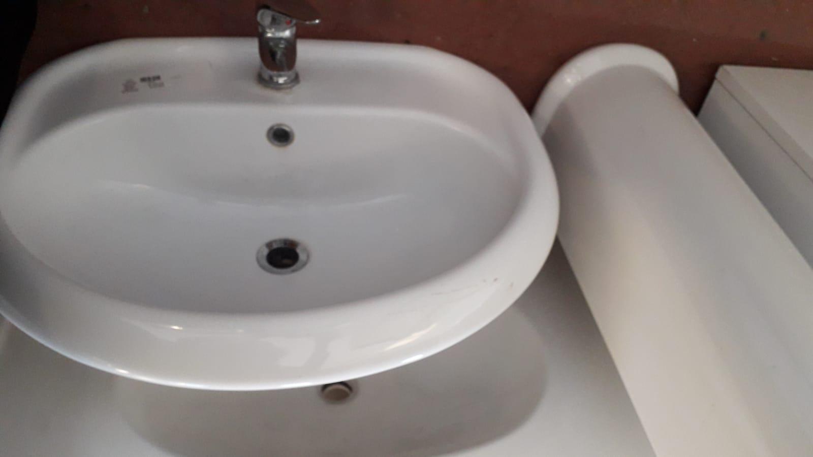Lavandino Bagno Con Piede catanzaro arredamento bagno. mobiletti lavabo lavandini