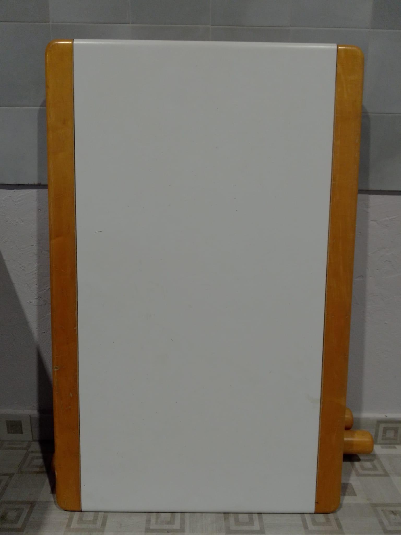 Catanzaro Tavolo Cucina Allungabile Colore Noce E Bianco L Cm 118 X P Cm 75 Mercatino Dell Usato Portobello