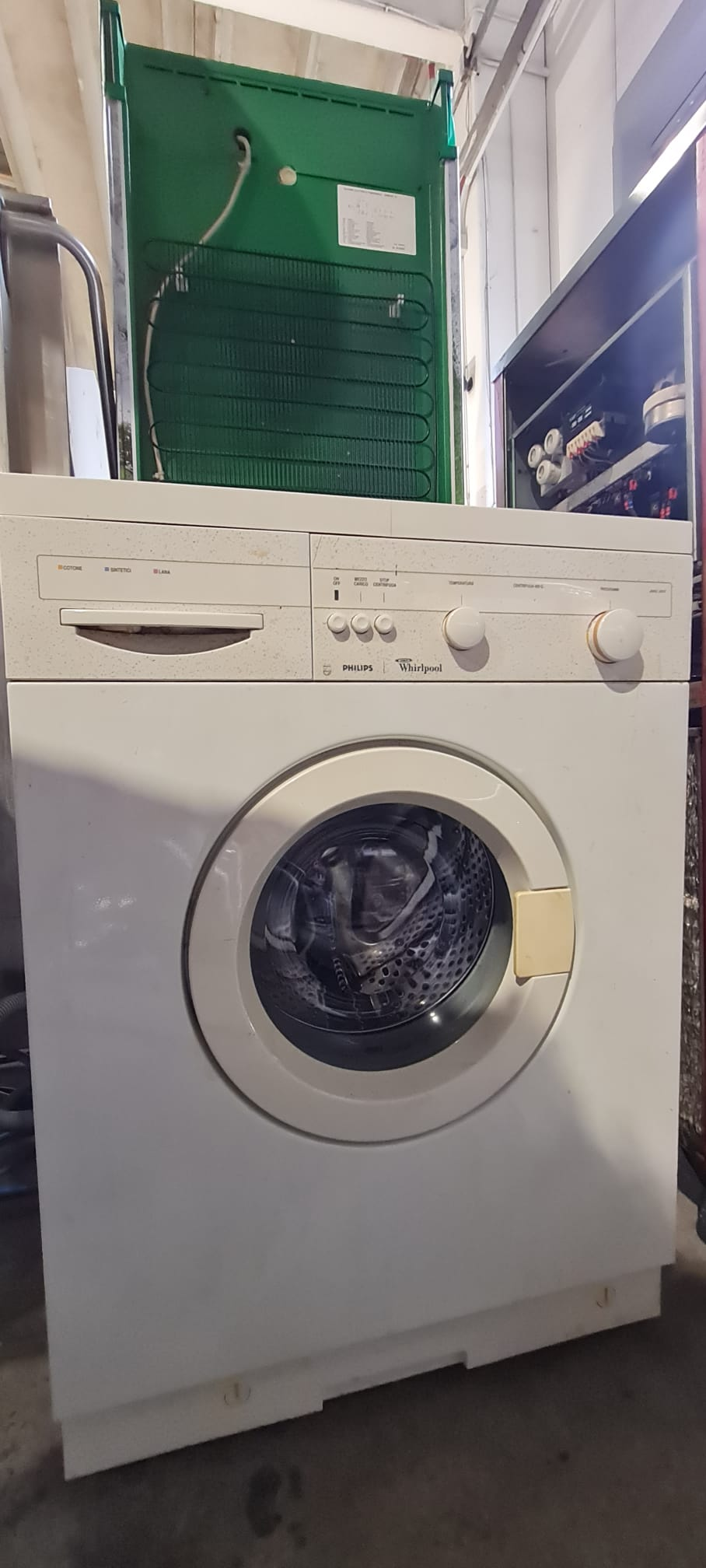 LAVATRICE  WHIRLPOOL  COLORE BIANCO (CM 60)(MOD. AWG 383)